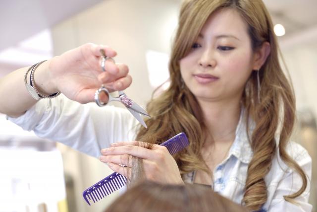 美容師さん:美容院は髪を切るところ