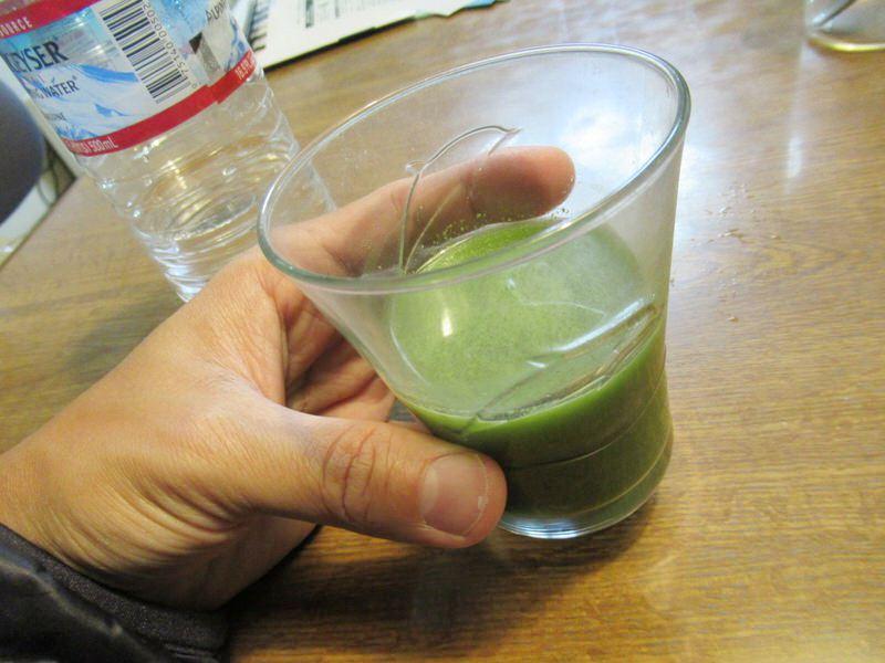 飲みます:スカルプD青汁ノコギリヤシ